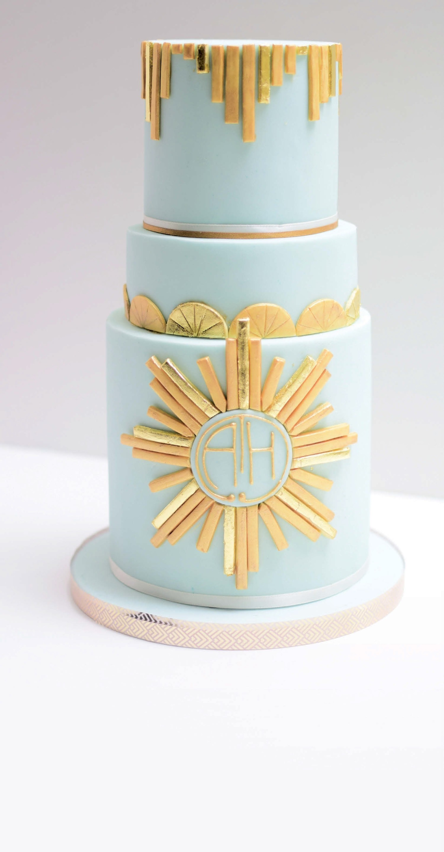 Art Deco WEDDING CAKE | Pocketmags.com