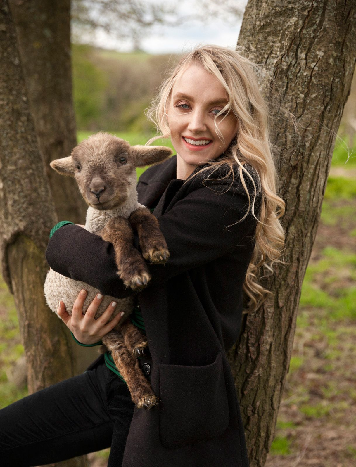 Evanna Lynch Nude Photos 11